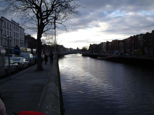 A cool evening by the Liffey